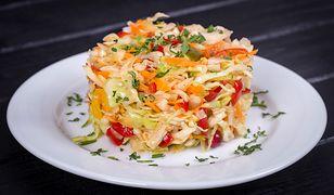 Surówka z warzyw i ananasa