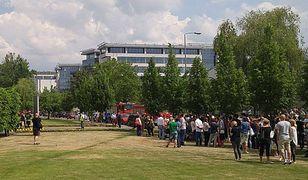Seria fałszywych alarmów bombowych w Warszawie. Ewakuowano kilkaset osób