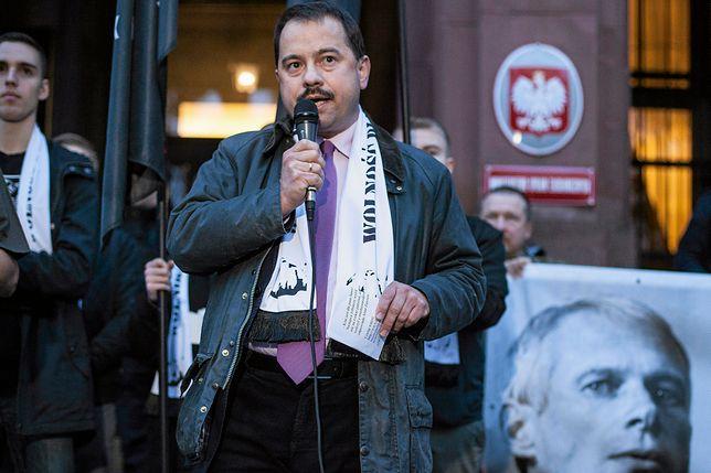 Artur Zawisza napisał odręcznie oświadczenie, w którym przyznał się do winy