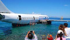 Turcja - zatopiony samolot atrakcją turystyczną kurortu