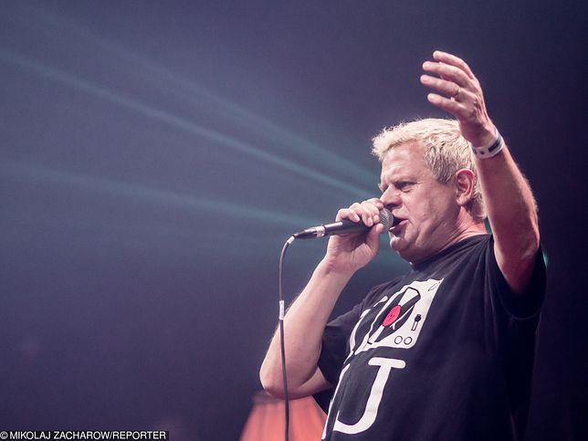 Kazik Staszewski od lat raczy fanów energetycznymi koncertami