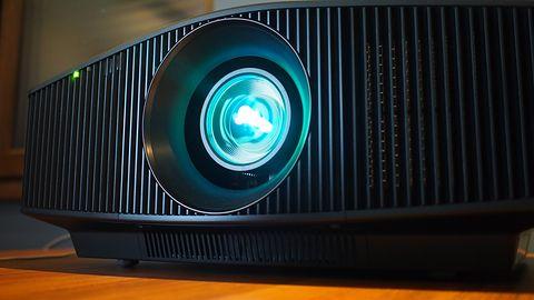 Rzut okiem na Sony VPL-VW760ES, arcyklejnot wśród projektorów