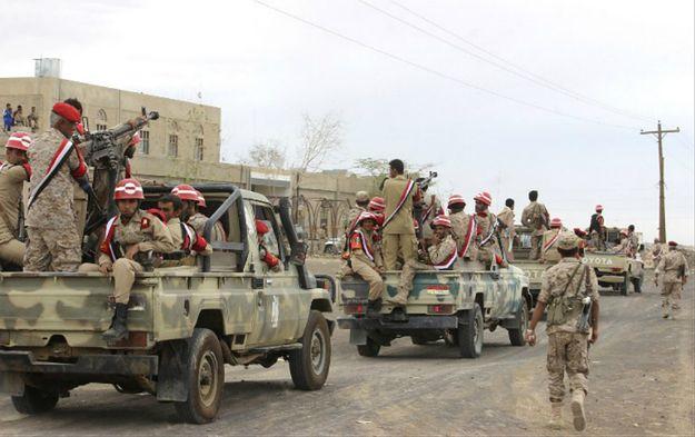 Zamach w Jemenie. Zdetonowano samochód-pułapkę przed siedzibą prezydenta