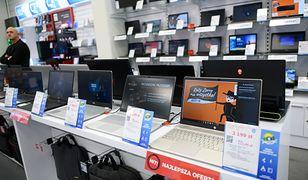 Widać, że pracujemy z domu. Sprzedaż ratalna laptopów wzrosła o 825 proc.