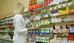 Zamieszanie z receptami, ludzie muszą płacić pełną cenę za leki. Powód? Absurdalny