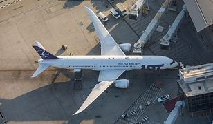 Samolot LOT-u.