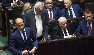 Sondaż ws. funduszy Unii Europejskiej. (Na zdjęciu m.in. liderzy największych partii w Sejmie: Borys Budka z PO i Jarosław Kaczyński z PiS)