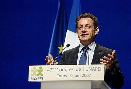 Sarkozy: Rosja musi wycofać się z dużych miast Gruzji