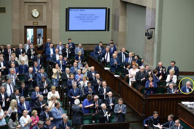 Internauci WP nie mają żadnych złudzeń. Jarosław Kaczyński zmusił Gowina do głosowania za ustawą o SN