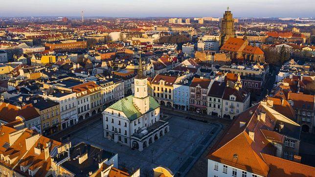 Śląsk. Samorząd Gliwic zwiększył wysokość dotacji do wymiany przestarzałych pieców.