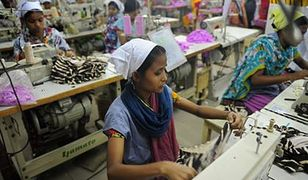 Niewolnicza praca za grosze w Kambodży. Ty też nosisz te ubrania?