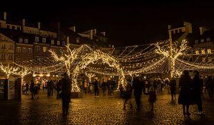 Świąteczna iluminacja zachwyca. Warszawa skąpana w złocie [ZDJĘCIA]
