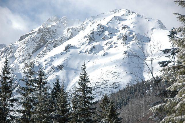Zagrożenie lawinowe w Tatrach. Niektóre szlaki zamknięte