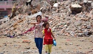 Jak wygląda sytuacja w Nepalu rok po trzęsieniu ziemi?
