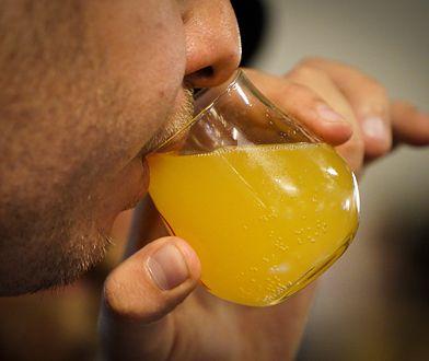 Koronawirus. Szkocja zamierza częściowo otworzyć bary i restauracje