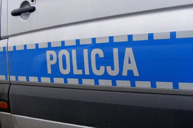 Zator. Pijany kierowca próbował uciec policjantom. Padły strzały