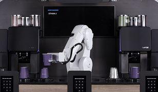 Robot jest w pełni samodzielną kawiarnią