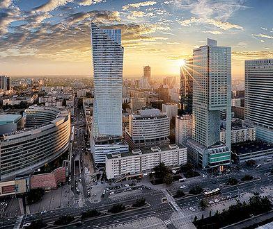 Warszawa wczoraj i dziś - ruchome schody, rozlewnia Ludwika i pastwisko, które zmieniło się w centrum biznesu