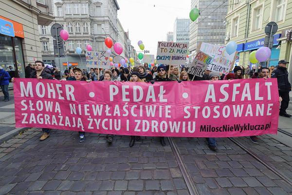 """Marsz Równości pod hasłem """"Mielimy mowę nienawiści"""" zorganizowany przez stowarzyszenie Dni Równości i Tolerancji"""