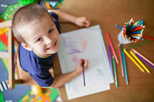 Techniki wychowawcze – jak walczyć z nieśmiałością i pobudzić kreatywność dziecka
