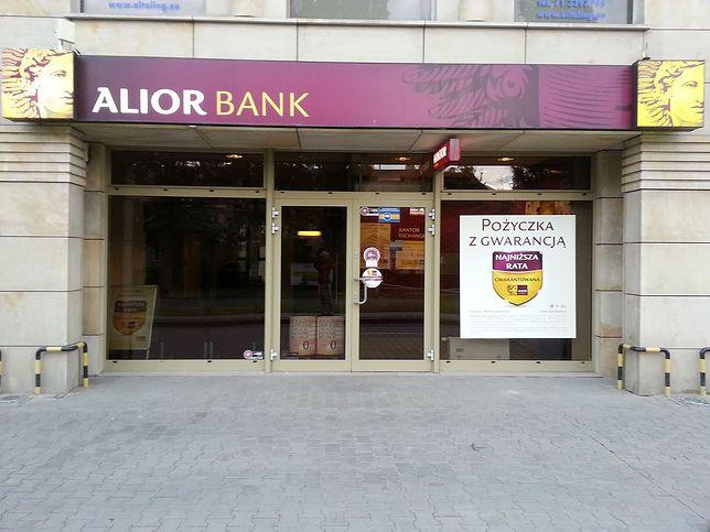 Alior Bank przyłącza T-Mobile Usługi Bankowe.