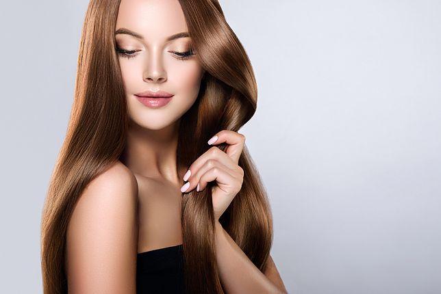 Szampony koloryzujące pozwalają podkreślić odcień włosów