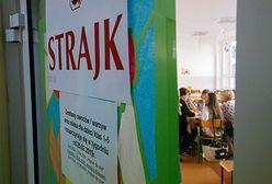 Strajk nauczycieli trwa. Jedna ze szkół zaproponowała opiekę nad dziećmi