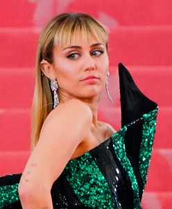 Miley Cyrus siłą pocałowana przez fana. Jest ostra odpowiedź