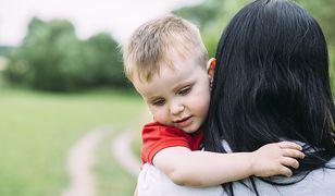 Aby dostać świadczenie, rodzic musi wykazać, że wystąpił przeciwko drugiemu o alimenty na wspólne dziecko