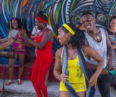 Rumba to taniec wywodzący się od ludów afrykańskich zamieszkujących Kubę.