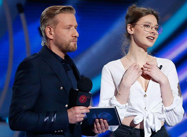 """""""Big Brother"""": Justyna """"Juszes"""" Żak wystroiła się na wieczór. Sukienka niewiele zasłania"""