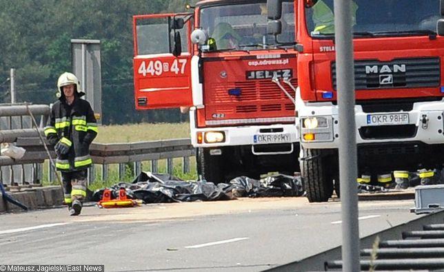 Pożar na A4. Strażacy opanowali sytuację.