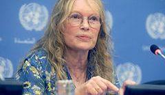 Mia Farrow pomaga dzieciom w Afryce