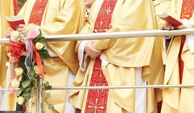 Koronawirus.10 redemptorystów zakażonych podczas święceń. Rozjechali się po Polsce (zdj. ilustracyjne)