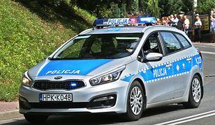 Policjanci proszą o pomoc w poszukiwaniu podpalacza