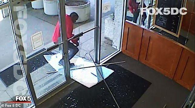 USA: mężczyzna próbował wedrzeć się do budynku telewizji Fox 5. Został postrzelony