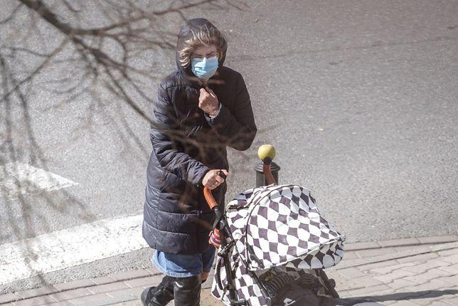 Pamiętajmy, że maseczka ochronna nie gwarantuje, że nie zarazimy się wirusem