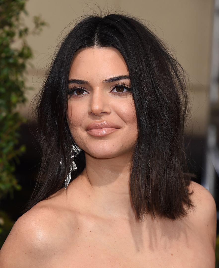 Kendall Jenner nago. Gwiazda rozebrała się przed obiektywem