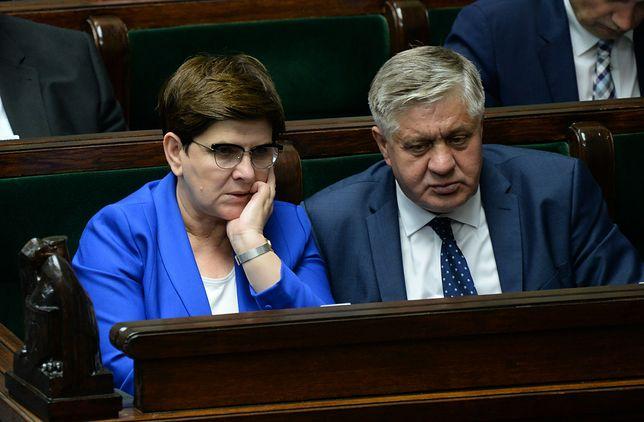 Premier Beata Szydło i Krzysztof Jurgiel przekonali firmy do produkowania konserw z mięsa pochodzącego ze stref ASF