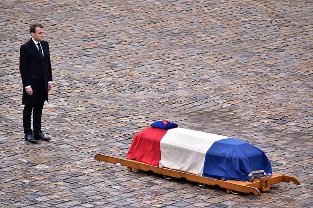 Francja pożegnała bohatera wojny z terrorem. Teraz rząd musi odpowiedzieć na trudne pytania