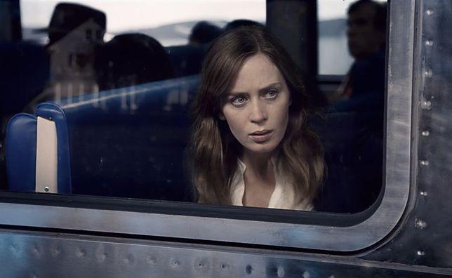 """""""Dziewczyna z pociągu"""": z kobiecej perspektywy [RECENZJA]"""