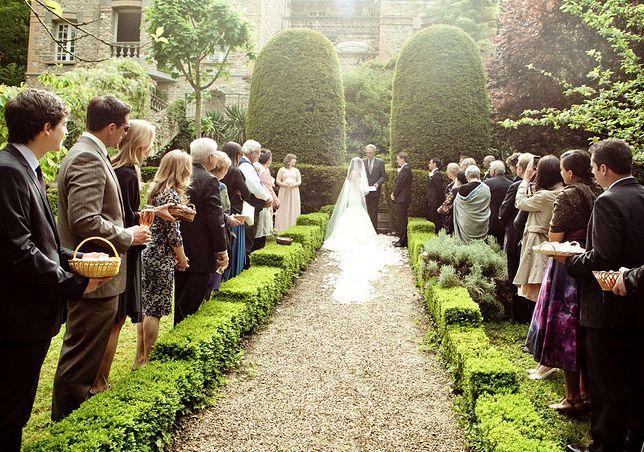 160 milionów za książęcy ślub. Ile kosztują polskie wesela