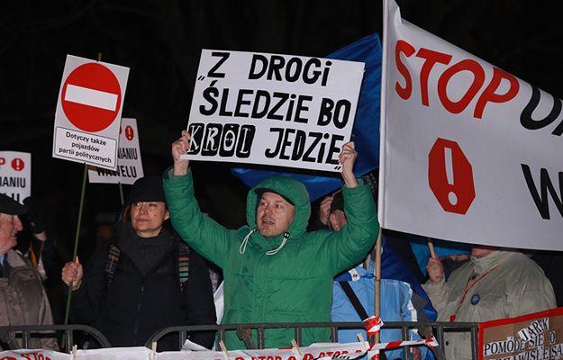 Protest przed Wawelem