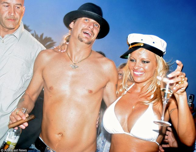 Pamela Anderson – panna młoda w bikini