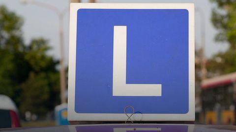 Samoprowadzące się auta też będą musiały zdawać egzamin na prawo jazdy?