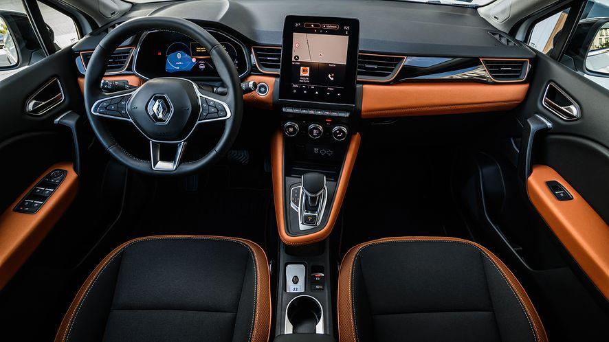 Wnętrze Renault Captur wygląda nowocześnie, ale system info-rozrywki wymaga odświeżenia (fot. D. Kalamus)