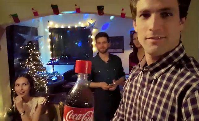 Złóż życzenia przez butelkę Coca-Coli