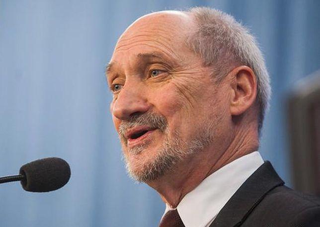 Zaledwie we wtorek Macierewicz został odwołany ze stanowiska szefa MON
