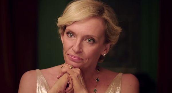 """Toni Collette jako Anne Fredericks w """"Madame"""""""
