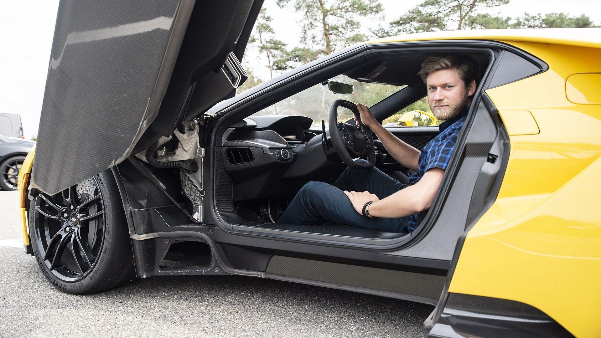 Mariusz Zmysłowski za sterami Forda GT